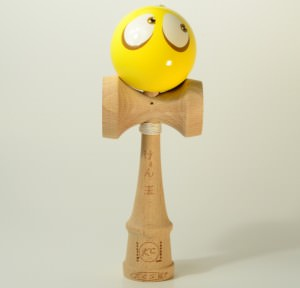 Kendama Canada  Kendama KCS  balle visage jaune
