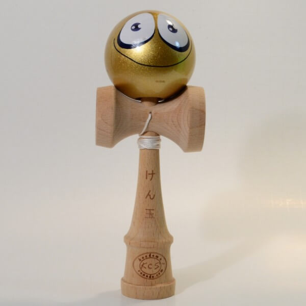 Kendama Canada - Kendama KCS - balle visage or souriant - Gold Smiling face kendama - unique!