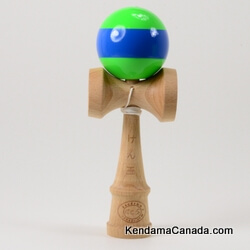 Kendama Canada – Kendama KCS – balle verte bande bleue – Green ball with blue Stripe