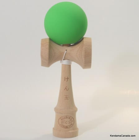 Kendama Canada  Kendama KCS  balle verte caoutchouc - rubber kendama