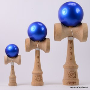 Kendama Canada  Kit de 3 kendamas  Kit Trio 3 formats de 3 kendama bleus mtalliss - 3 different sizes metallic blue kendama kit