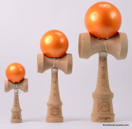 Kendama Canada – Kit de 3 kendamas – Kit Trio 3 formats de 3 kendama oranges métallisés - 3 different sizes metallic orange kendama kit