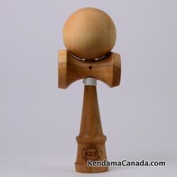 Kendama Canada – Kendama KCS du Québec – Collection Prestige – modèle Unique au monde en Cerisier – balle Érable naturel