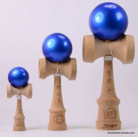 Kendama Canada – Kit de 3 kendamas – Kit Trio 3 formats de 3 kendama bleus métallisés - 3 different sizes metallic blue kendama kit