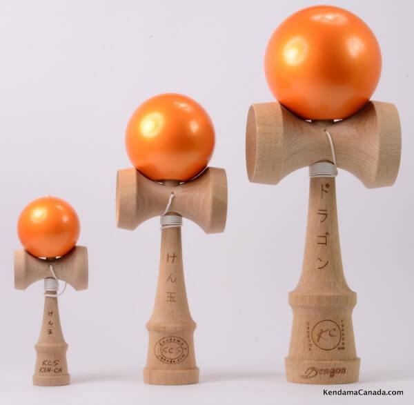 Kendama Canada – Kit de 3 kendamas – Kit Trio 3 formats de 3 kendama oranges métallisés - 3 different sizes metallic orange kendama kit